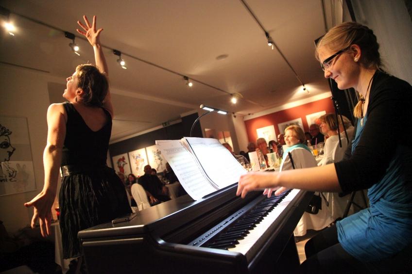 Cindy Ochott und Liesa Schubert