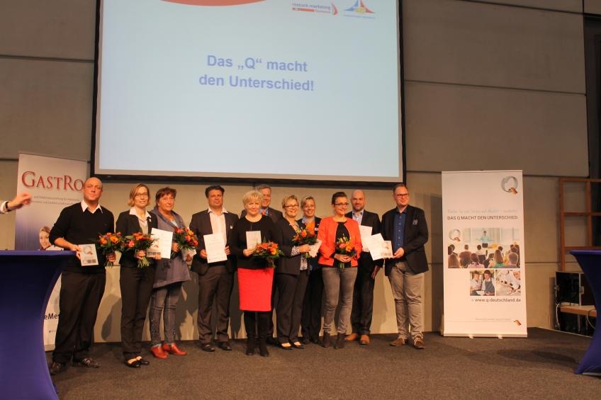 Zertifikatsübergabe an 7 neue Mitstreiter - ServiceQualität Deutschland